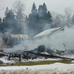 Fire destroys farmhouse in Monson