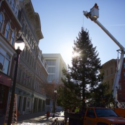 Bangor to raise Christmas tree Wednesday morning; holiday parade plans announced