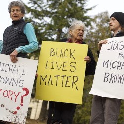 'Nobody thinks it happens here': Portland discussion about Ferguson draws 150