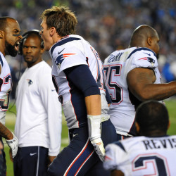 Patriots hang on for 23-20 win as FG try misses