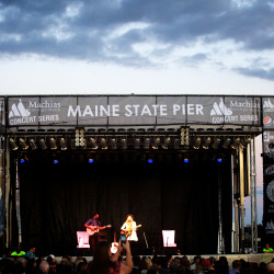 Dierks Bentley to perform at Maine State Pier in Portland as part of Waterfront Concerts series