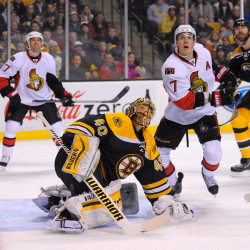 Seidenberg's long goal lifts Bruins past Senators