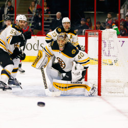 Surging Bruins tip Flyers in shootout