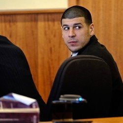 Massachusetts judge won't toss murder charge against ex-Patriots player Hernandez