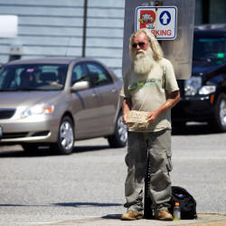Federal judge: Must Portland make sure panhandlers have access to high-traffic, good money locations?