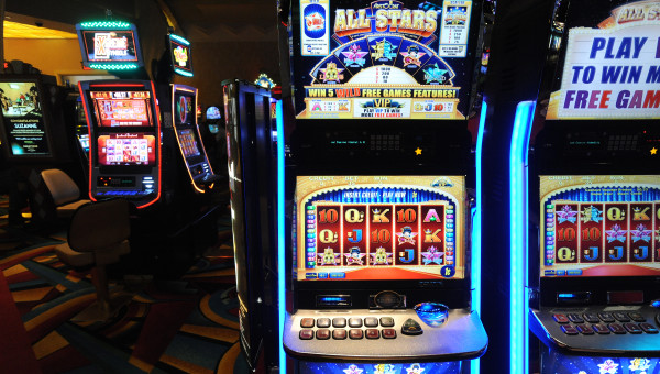 Hollywood casino games poker hands up