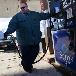 Average gas prices hover at record-high levels