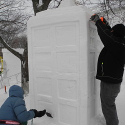 Ice carving demonstration in Camden