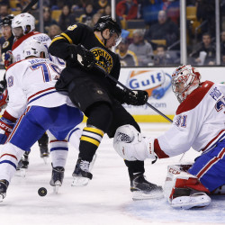 Seidenberg late goal lifts Bruins by Senators