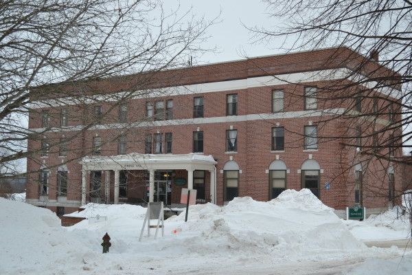 University Of Maine At Machias >> Historic Umaine Machias Building Closed Because Of Structural