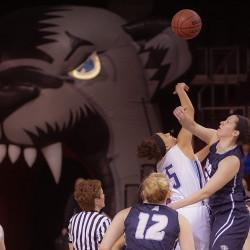 Hartford women soar over Bears 77-46