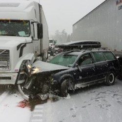4 vehicles involved in chain-reaction crash in Rockland