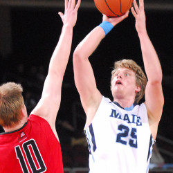 Edwards tip-in lifts University of Maine men's basketball team past Hartford