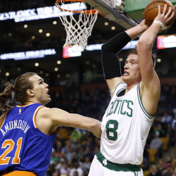 Green powers Celtics past Bucks