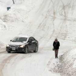 Winter storm moves into Maine