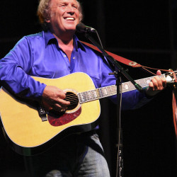 Don McLean's generation-crossing 'American Pie' remains Maine course