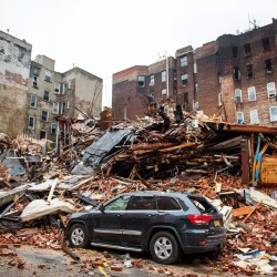 Explosion attributed to gas leak kills 2 in NYC; others missing