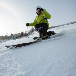 Hot weather puts skiers in shorts, bikinis, but spells likely end to disappointing season