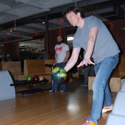 Professional tour, ESPN visit creates 'buzz' around bowling in Portland