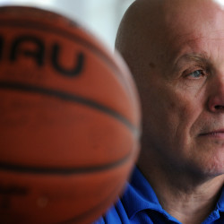 Veteran coach won't return to Schenck basketball post, calls stipend 'a slap in the face'