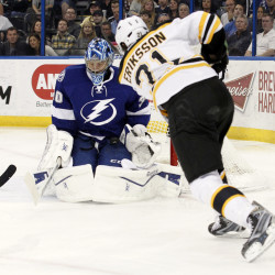 Horton scores twice to spark Bruins past Lightning