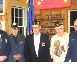 93-year-old WWII veteran receives medals, a handshake and a 'Welcome Home'