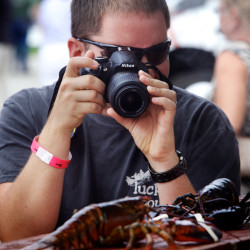 Lobster cannibalism a cruel new fact of crustacean life, says UMaine professor