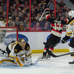 Senators beat Bruins in Ottawa for first time since 2009