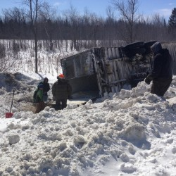 Maine truck with 40,000 pounds of live lobster crashes in Canada