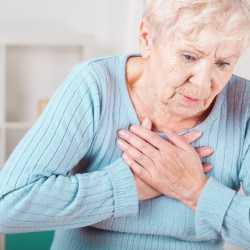 Women's heart attack symptoms often overlooked or misdiagnosed