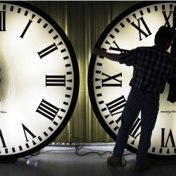 Daylight saving time can cause heart attacks, study finds
