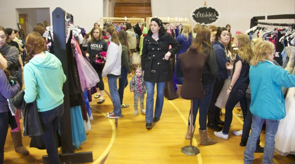 Students gather Down East for free prom dresses — Down East — Bangor ...