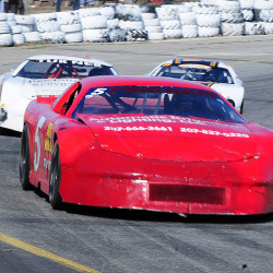 Jeff Burgess captures opener as racing returns to Wiscasset Speedway