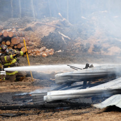 Sawdust fire does slight damage to Lincoln mill