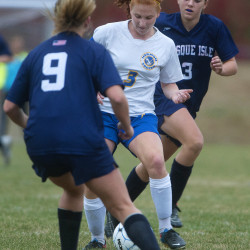 Bangor soccer star Ashley Robinson commits to UMaine