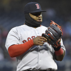 Phillies' Lee shuts down Red Sox