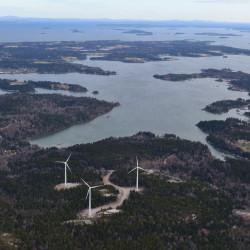 Judge chastises Maine DEP commissioner in overturning Vinalhaven wind power decree