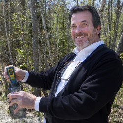 Blue Hill outdoorsman-inventor paves the way to safe water, any time, anywhere