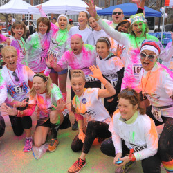 American Folk Festival brings in 1,700 runners, more than $35,000 in 5K's colorful debut