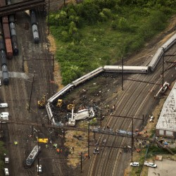 Investigators: New York train was traveling 82 mph before derailment