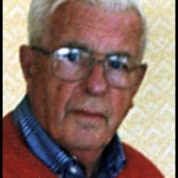 Man fleeing police dies in Hampden crash
