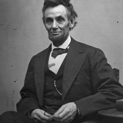 Report of first doctor to reach shot Lincoln found