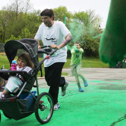 Color Bangor Run Brightens Up Gloomy Sunday Boosts American Folk Festival Living Bangor