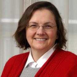 Dr. Bea Szantyr