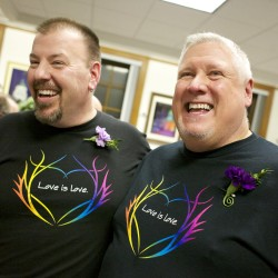 Poll finds Mainers split on same-sex marriage issue