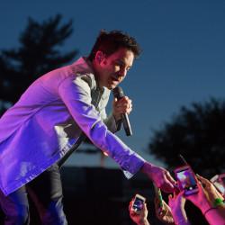 Country star Kenny Chesney makes Bangor crowd 'feel like rock stars'