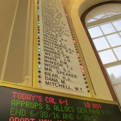 Lawmakers skirt Maine's open-meeting law during budget negotiations