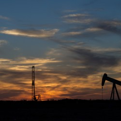 US oil group pens 'good neighbor' standards for fracking