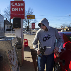 Gasoline prices level off this week