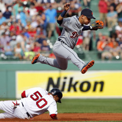 Tigers' Fister shuts down Red Sox
